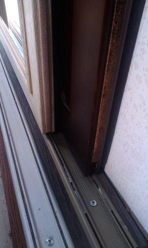 Двери массив на нижней направляющей Сургут