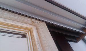 Двери из массива с раскладкой по периметру Сургут