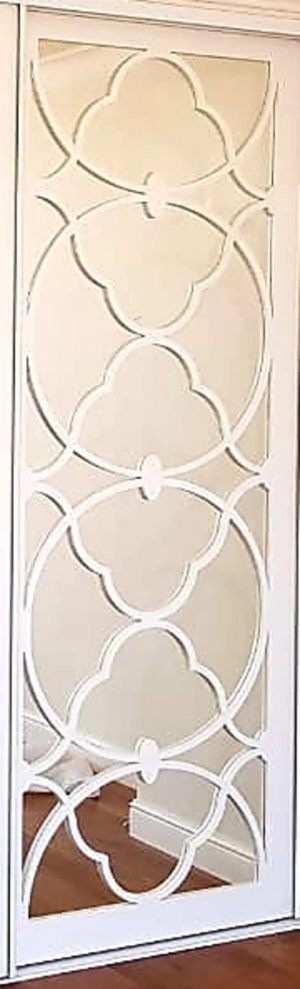 Вставка с фигурной филенкой на зеркале эмаль Сургут