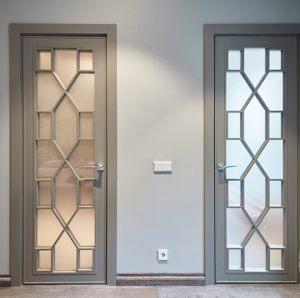 Двери с филенкой Сургут